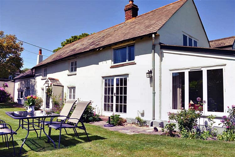 Click here for more about Walnut Tree Cottage