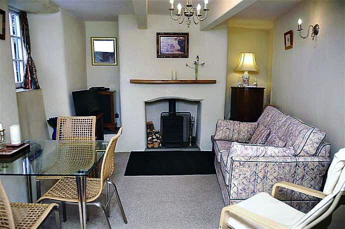 Thatch Cottage sleeps 3