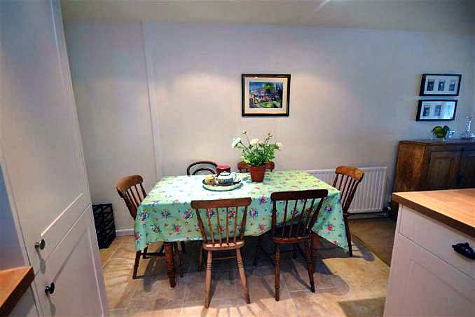 Stable Cottage (Totnes) Picture