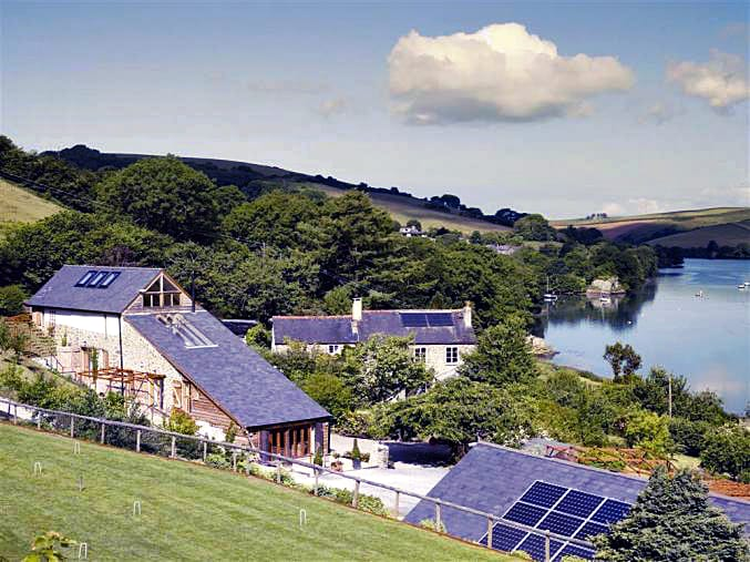 Click here for more about Waterhead Barn